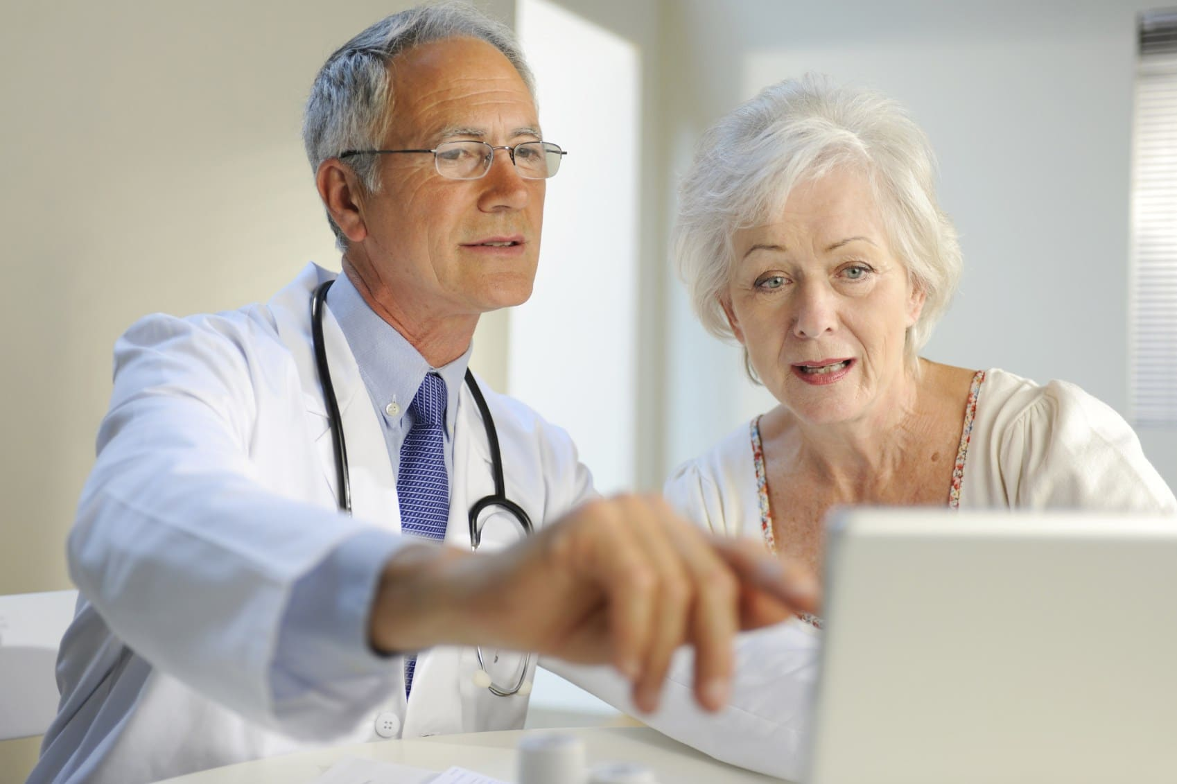 Doctor_Senior_patient_iStock_227504Medium