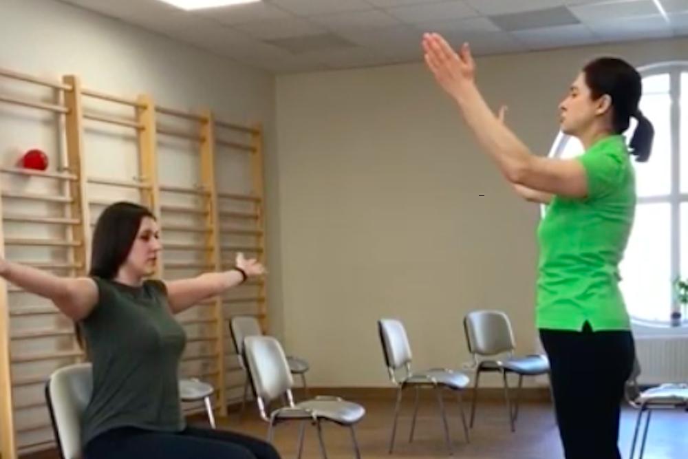 ćwiczenia oddechowe z fizjoterapeutką